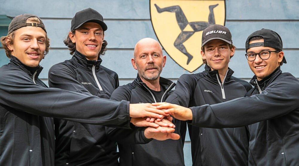 D21FCA9B-46DC-43B8-A807-F1B7CC9830AC EV Füssen und ESV Kaufbeuren bauen Zusammenarbeit aus Kaufbeuren mehr Eishockey News Ostallgäu Sport  Presse Augsburg