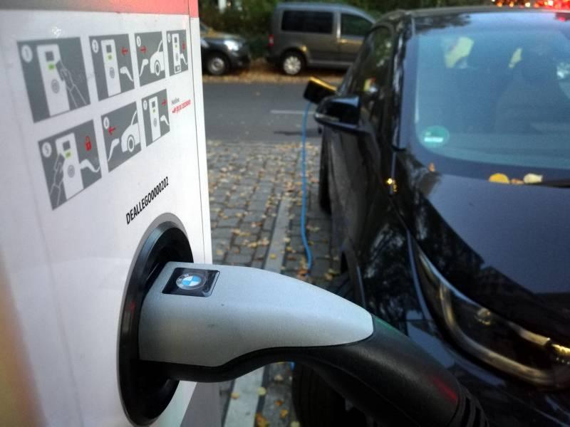 Aussenhandel Mit Elektrofahrzeugen Legt Zu