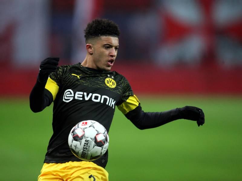 Dfb Pokal Dortmund Schlaegt Duisburg Deutlich