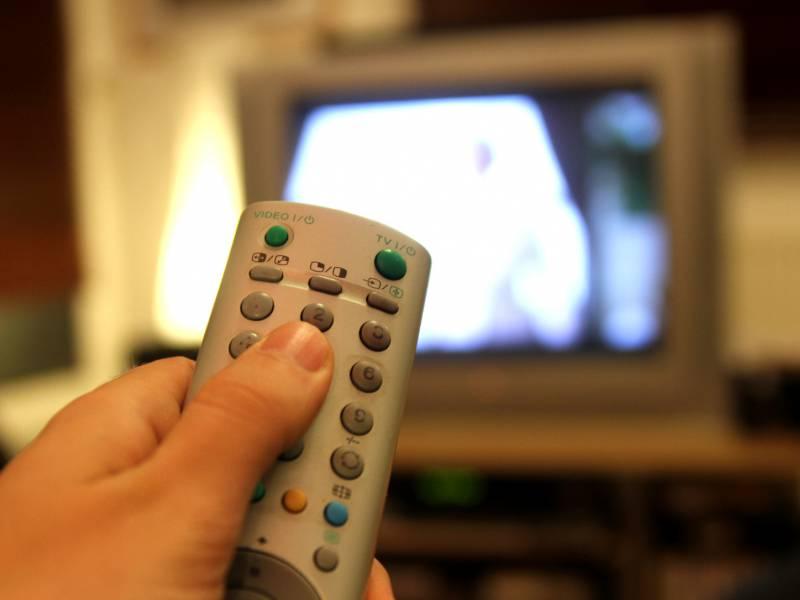Fernsehen Und Radio Erzielen Immer Noch Hoechste Reichweiten
