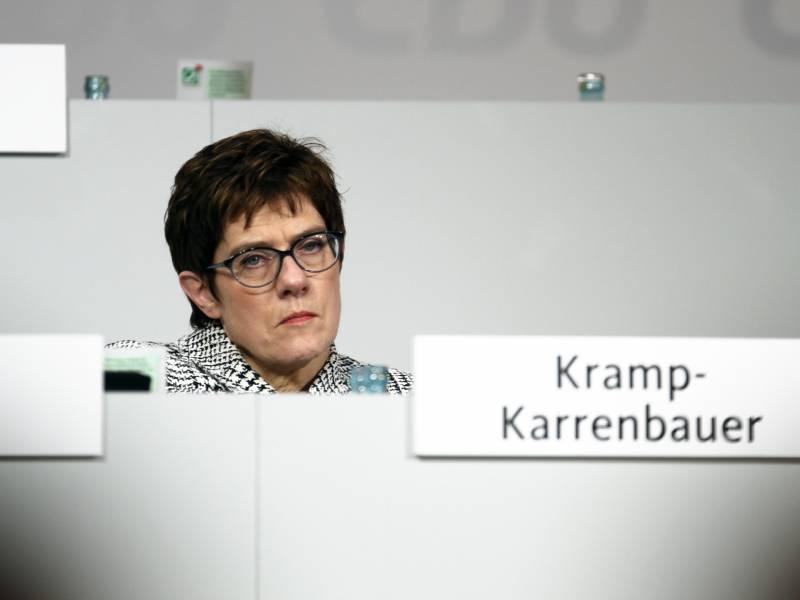 insa-union-verliert INSA: Union verliert Politik & Wirtschaft Überregionale Schlagzeilen |Presse Augsburg