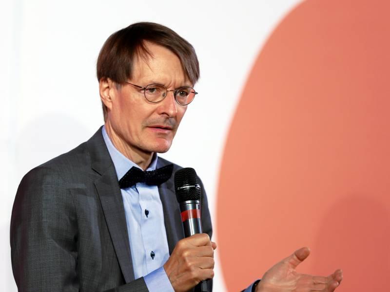 Lauterbach Fuer Obergrenze Bei Privaten Feiern Von 25 Personen