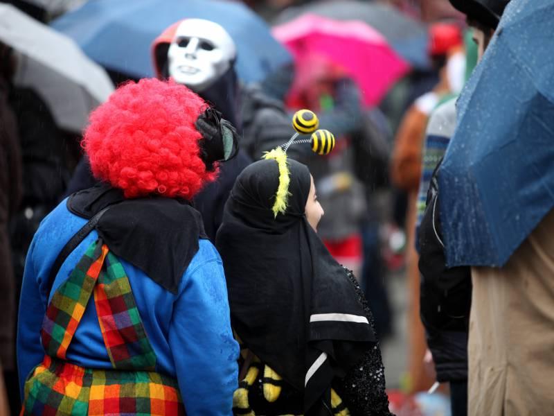 mehrheit-fuer-absage-von-karneval-und-weihnachtsmaerkten-wegen-corona Mehrheit für Absage von Karneval und Weihnachtsmärkten wegen Corona Politik & Wirtschaft Überregionale Schlagzeilen |Presse Augsburg