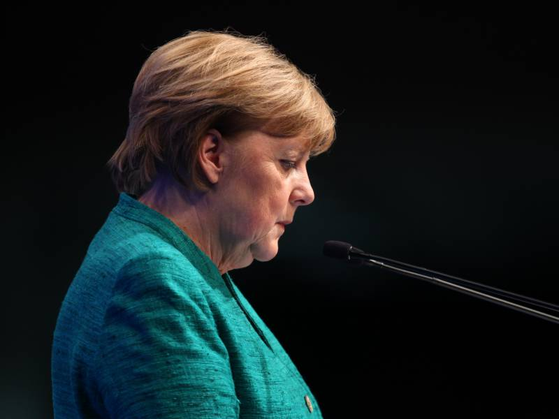 Merkel Bestuerzt Ueber Giftanschlag Auf Nawalny