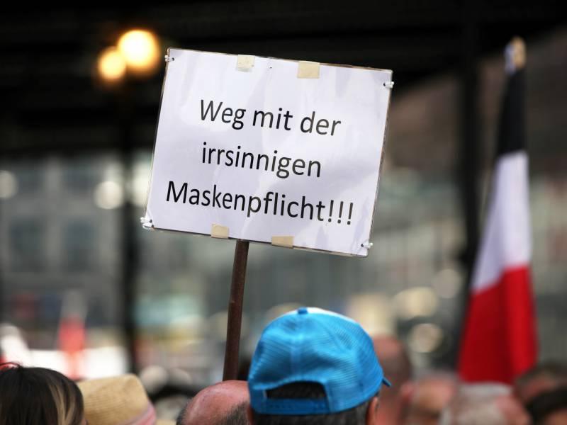 Politologe Corona Proteste Kein Zeichen Fuer Populismus Erstarken