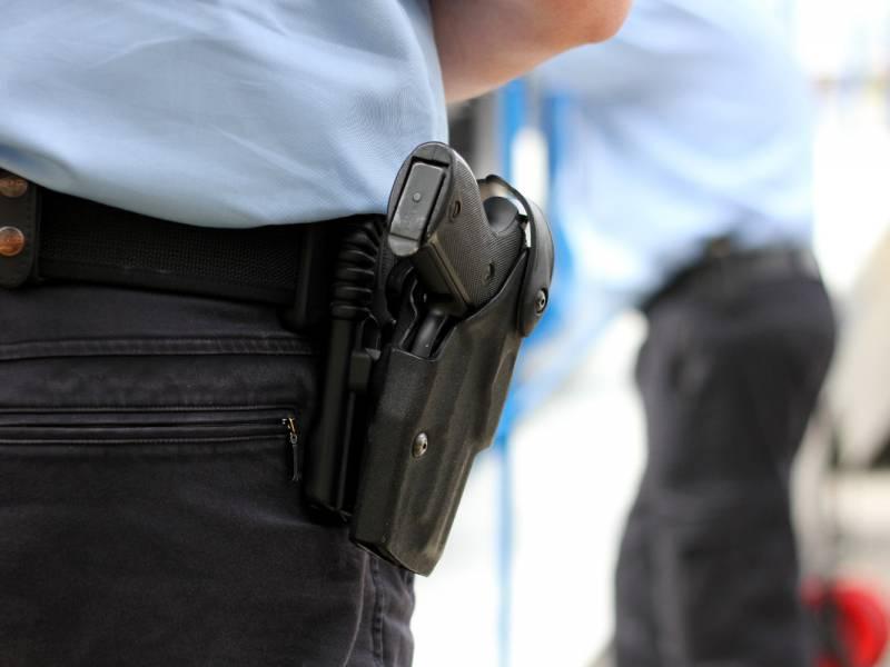 Reul Hinweise Auf Weitere Grenzueberschreitungen Durch Polizisten