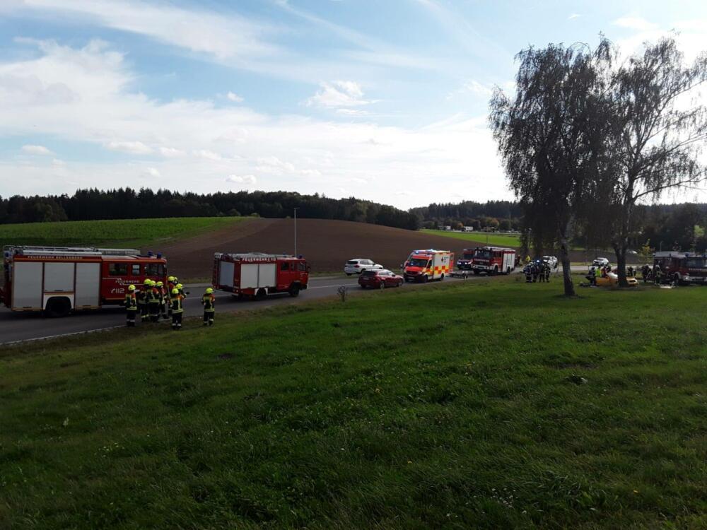 121211281_3313353872045496_7936254510691788562_o Illegales Autorennen fordert bei Illertissen einen Schwerverletzten Neu-Ulm News Polizei & Co |Presse Augsburg