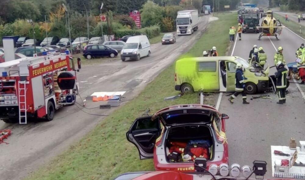 Bildschirmfoto-2020-10-12-um-19.58.17 Schwerer Verkehrsunfall auf B16 in Neuburg an der Donau |22-Jährige wird schwerst verletzt Neuburg-Schrobenhausen Überregionale Schlagzeilen B16 Neuburg Rödenhof |Presse Augsburg