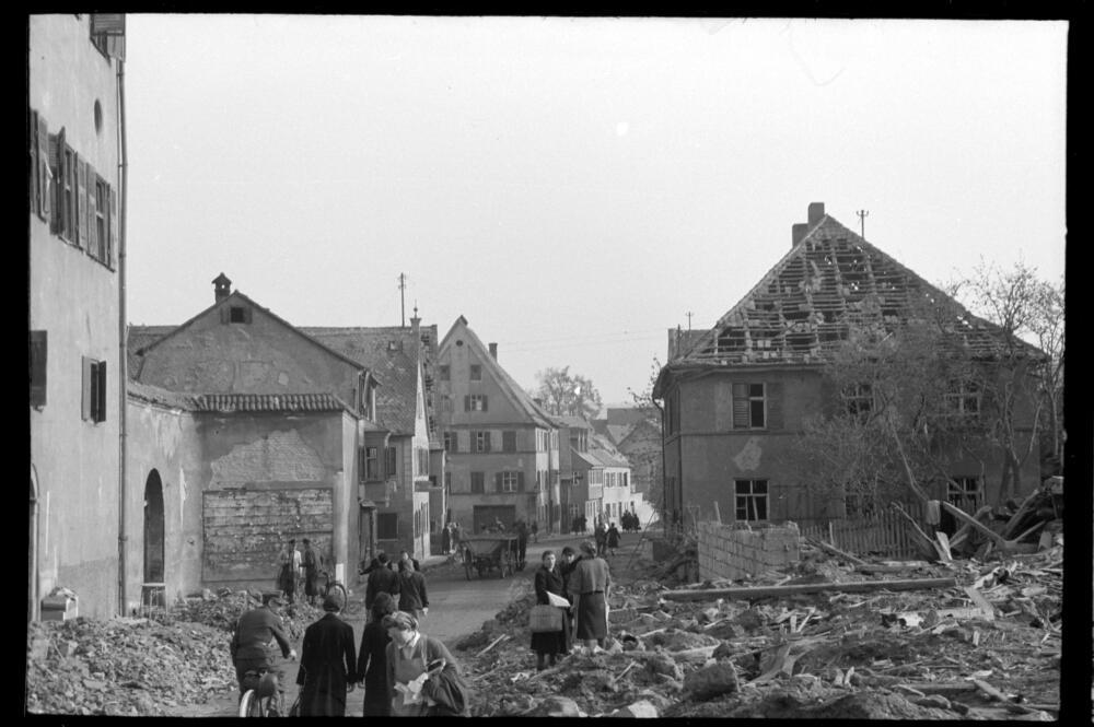 Foto 1 Veranstaltunge Kriegsende Bayerisches Landesamt Fuer Denkmalpflege Rudolf Hatzold Donauwoerth 036 April 1945