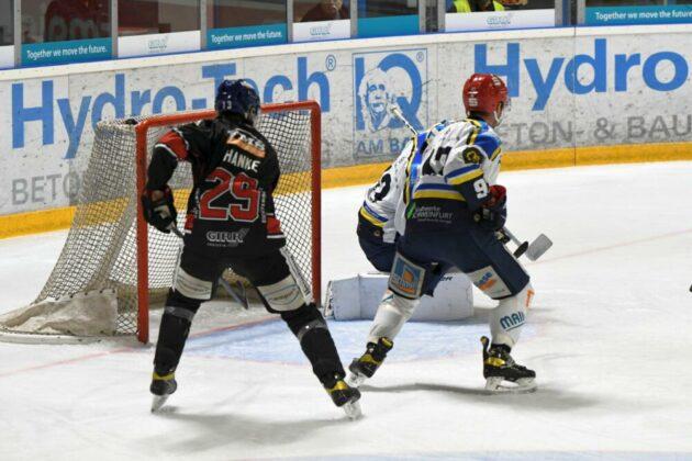 Hanke1-630x420 Erster Saisonsieg für den EHC Königsbrunn - Pinguine bezwingen Schweinfurt Bildergalerien Landkreis Augsburg mehr Eishockey News Sport EHC Königsbrunn Schweinfurt Mighty Dogs |Presse Augsburg