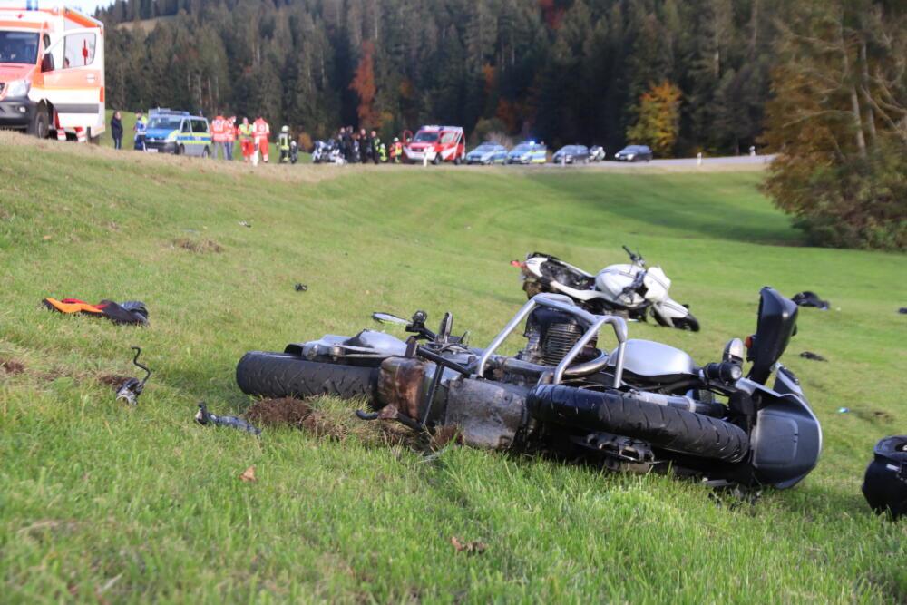 IMG_7522 Allgäu | Wohnmobil gerät in Gegenverkehr und erfasst Motorradfahrer - Biker stirbt, weitere werden verletzt News Oberallgäu Polizei & Co |Presse Augsburg