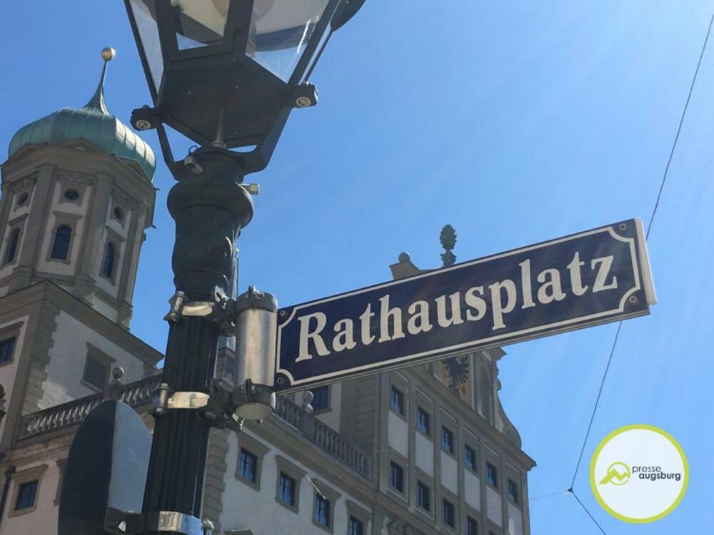 Augsburg Rathausplatz.png