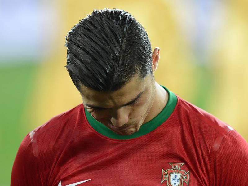 cristiano-ronaldo-positiv-auf-corona-getestet Cristiano Ronaldo positiv auf Corona getestet Sport Überregionale Schlagzeilen |Presse Augsburg