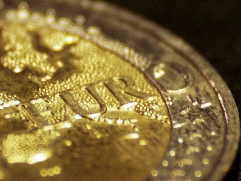 Eu Kommission Starker Euro Belastet Wachstum