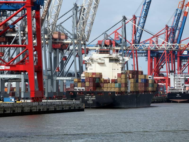 Exporte Und Importe Weiter Deutlich Unter Vorjahresniveau