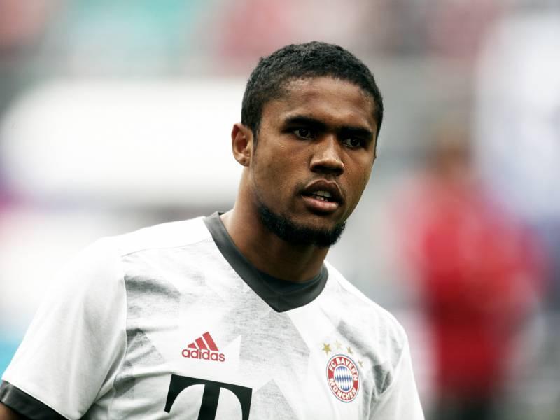Fc Bayern Holt Douglas Costa Zurueck