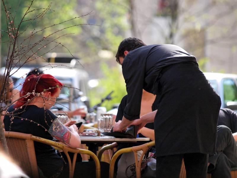Gastronomie Umsaetze In Coronakrise Um Mehr Als 40 Prozent Gesunken