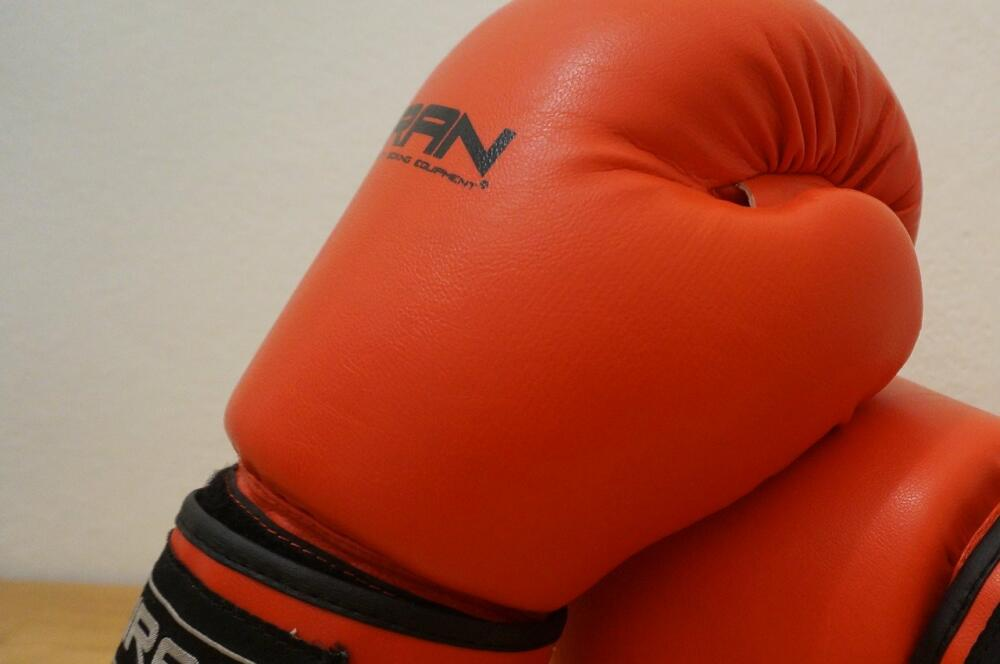 Gloves 2778249 1280