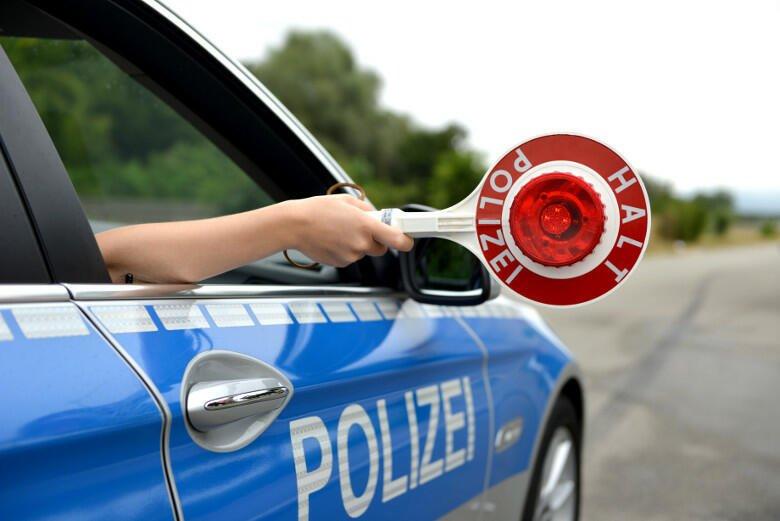 Image Fahrzeug Mit Kelle