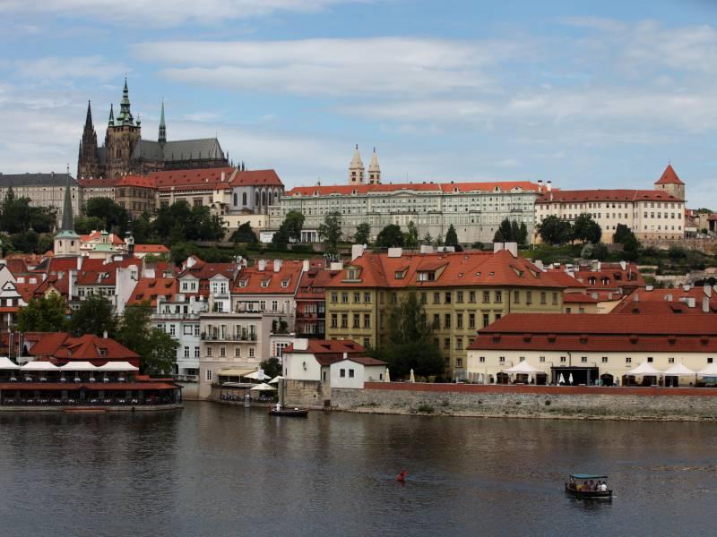 Tschechien Beschliesst Teilweisen Lockdown
