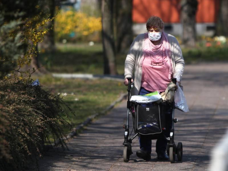 Ueber 5 000 Neuinfektionen Am Mittwoch Hohe Todesfallzahlen