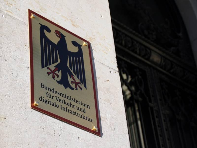 Verkehrsministerium Gibt 22 Millionen Euro Fuer Externe Berater Aus