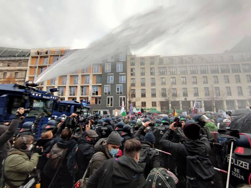 Aenderung An Infektionsschutzgesetz Beschlossen Heftige Proteste