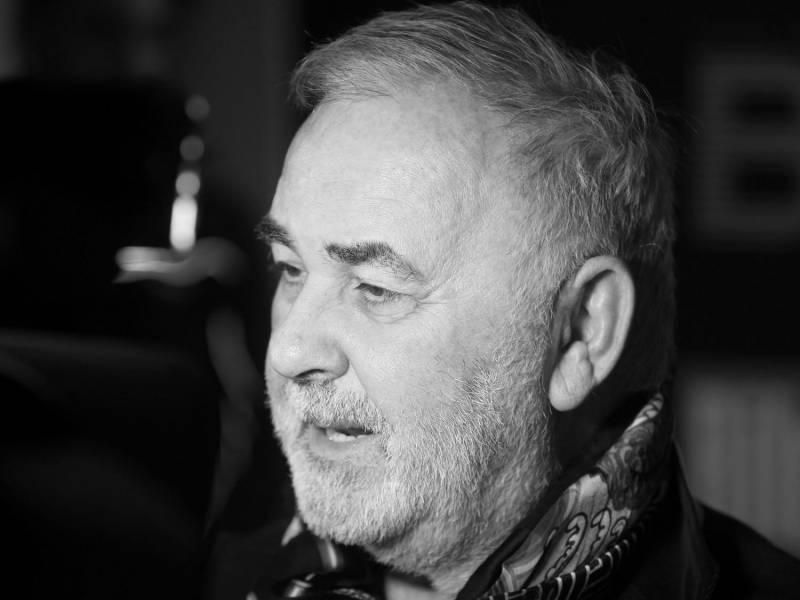 bild-star-friseur-udo-walz-verstorben Star-Friseur Udo Walz verstorben Überregionale Schlagzeilen Vermischtes |Presse Augsburg