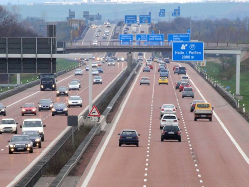 bund-plant-4-000-kilometer-oberleitungen-auf-autobahnen Bund plant 4.000 Kilometer Oberleitungen auf Autobahnen Politik & Wirtschaft Überregionale Schlagzeilen |Presse Augsburg