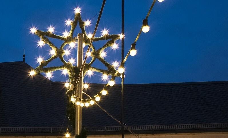 christmas-market-3854144_1920 Adventszauber mit Nördlinger Lichterglanz Donau-Ries Freizeit News Wirtschaft |Presse Augsburg