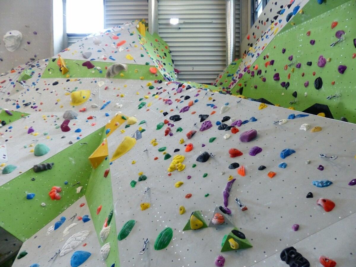 climbing-wall-101525_1280 Nach Gerichtsentscheidung |Bayern schließt nahezu alle Indoor-Sportstätten wegen Corona Bayern Überregionale Schlagzeilen |Presse Augsburg