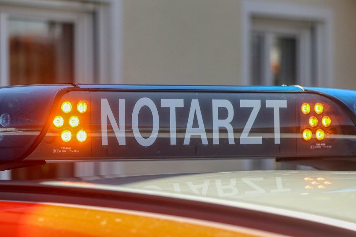 doctor-5007051_1280 61-Jähriger stirbt bei Frontalzusammenstoß bei Marktoberdorf News Ostallgäu Polizei & Co Marktoberdorf Unfall |Presse Augsburg