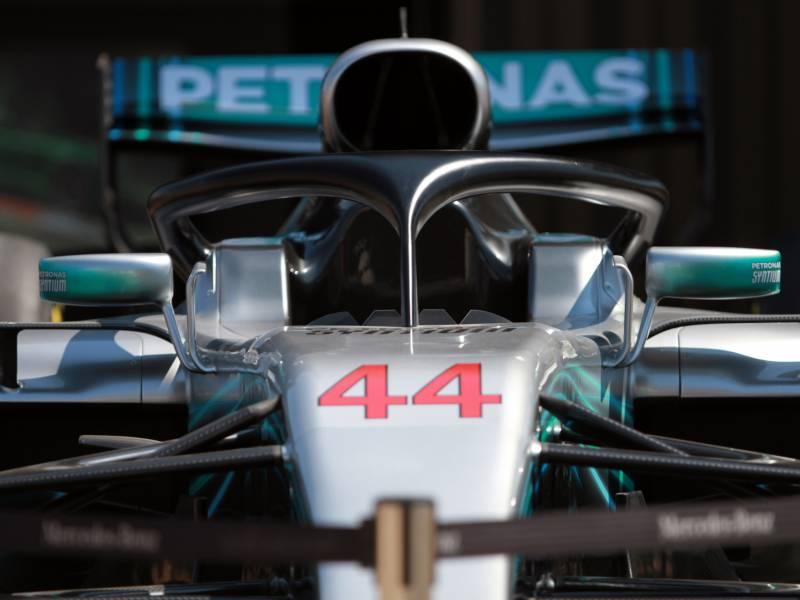 Formel 1 Hamilton Holt Pole In Sachir