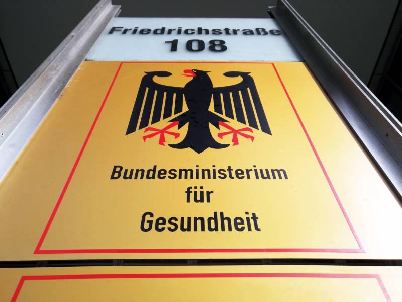 Gesundheitsminister Fuerchtet Rueckschlag Bei Impfstoff Entwicklung