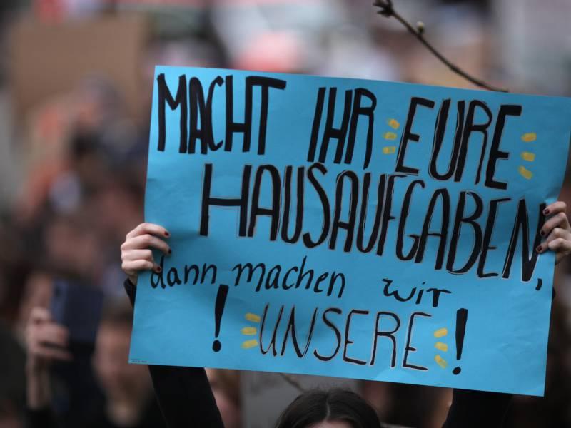 gruene-wollen-junge-klimaaktivisten-zurueckgewinnen Grüne wollen junge Klimaaktivisten zurückgewinnen Politik & Wirtschaft Überregionale Schlagzeilen |Presse Augsburg