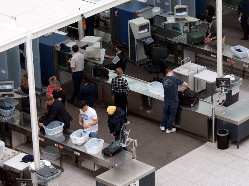 Jurist Erwartet Keine Verbreitete Corona Impfpflicht Von Airlines