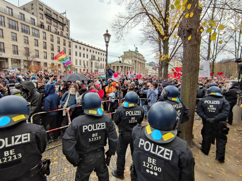 justizministerin-attackiert-corona-demonstranten Justizministerin attackiert Corona-Demonstranten Politik & Wirtschaft Überregionale Schlagzeilen |Presse Augsburg