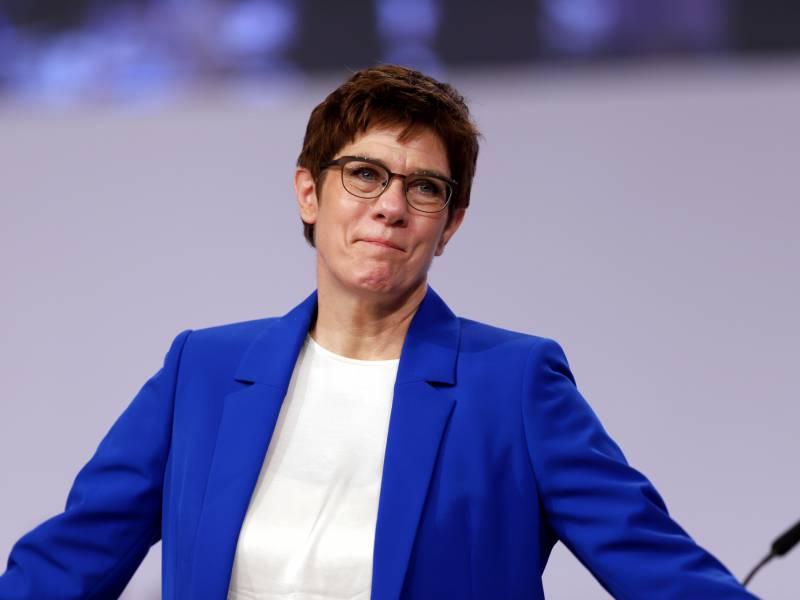Kramp Karrenbauer Feiert Kompromiss Zur Frauenquote