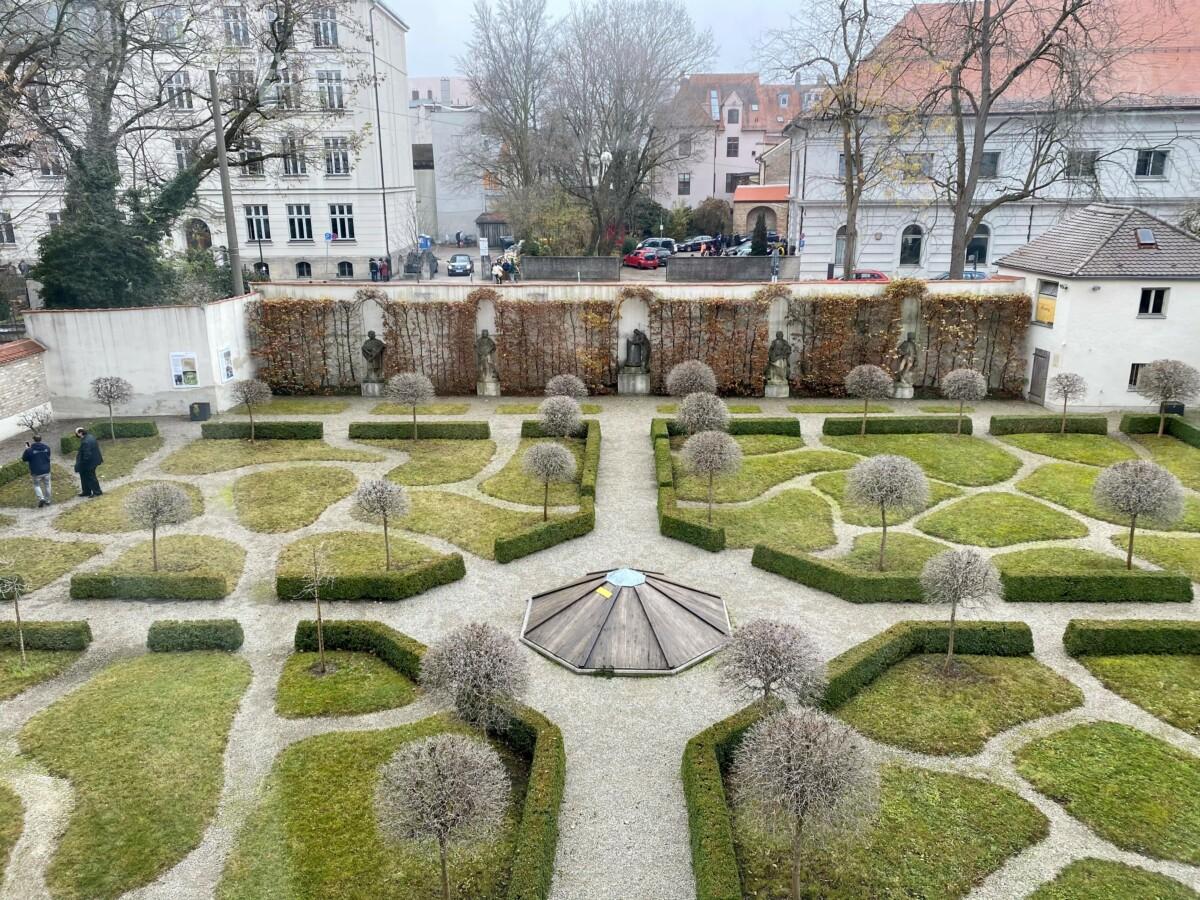 20 12 01 Mh Sp Garten Im Winter