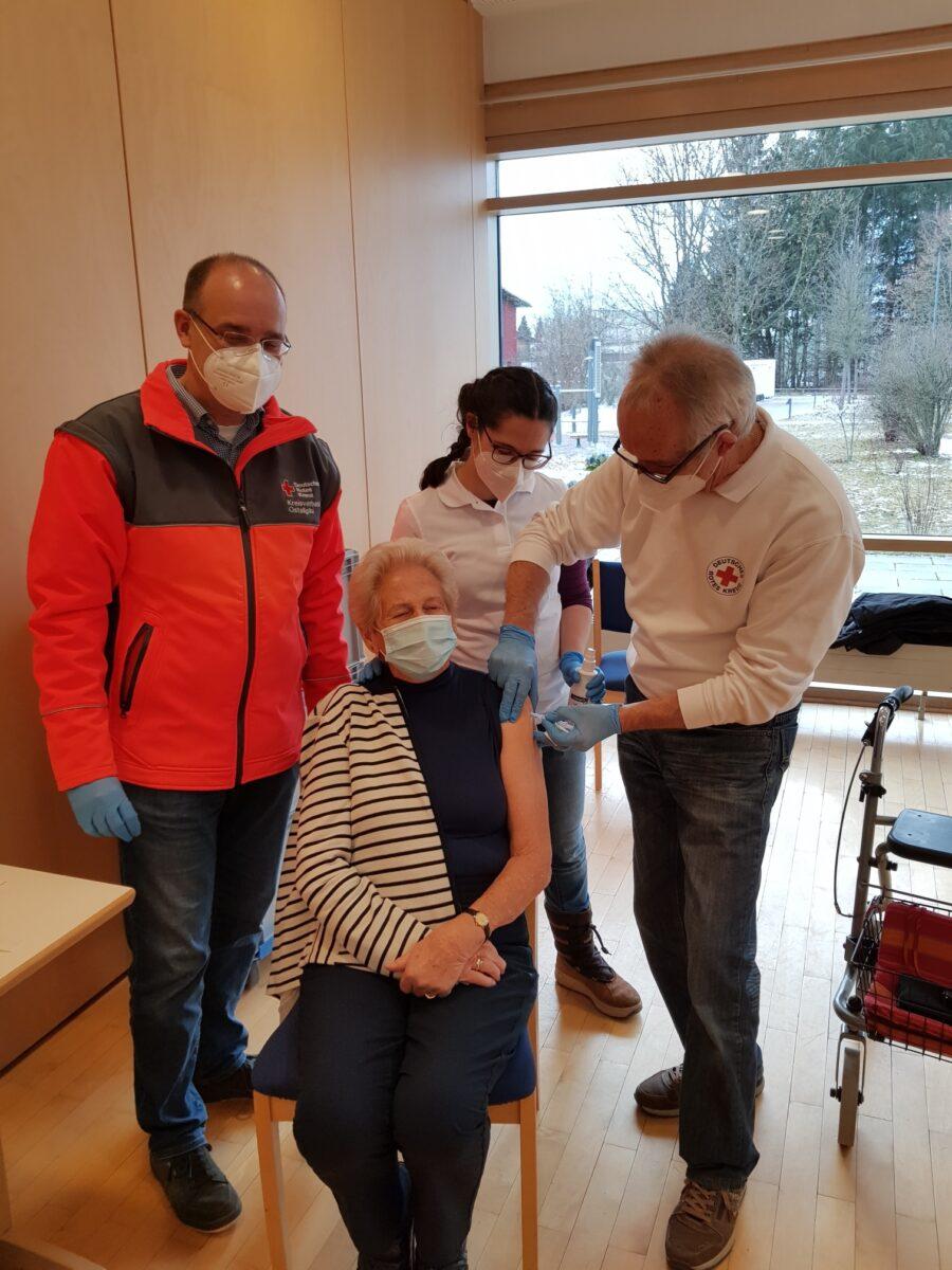 Impfung Ostallgaeu Clemens Kessler Haus 271220 Scaled