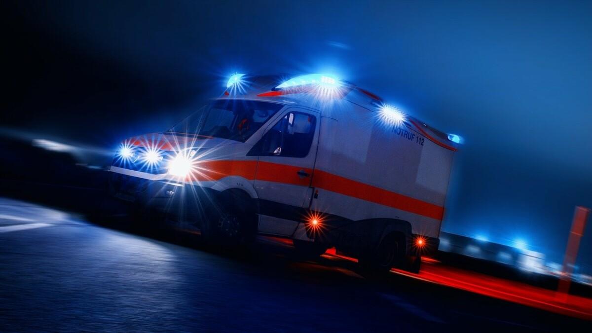Ambulance 4166901 1280