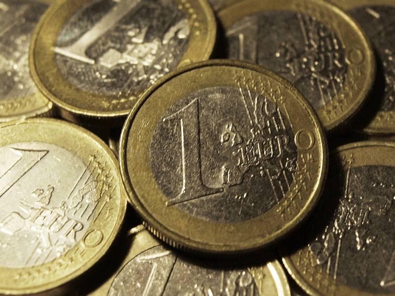 Bargeld Verliert Als Zahlungsmittel Allmaehlich An Bedeutung