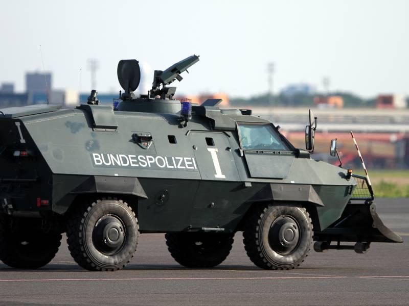 Bundespolizei Bewacht Impfstoff Transporte