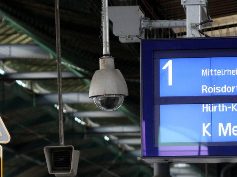 Bundesregierung Will 3 000 Neue Videokameras An Bahnhoefen
