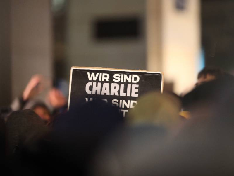Charlie Hebdo Prozess Hauptbeschuldigter Muss 30 Jahre In Haft