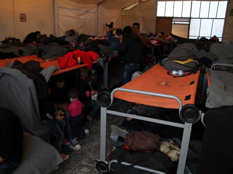Eu Und Griechenland Planen Neues Fluechtlingslager Auf Lesbos