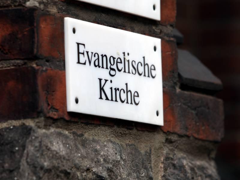 Evangelische Kirche Wirbt Fuer Online Gottesdienste An Weihnachten