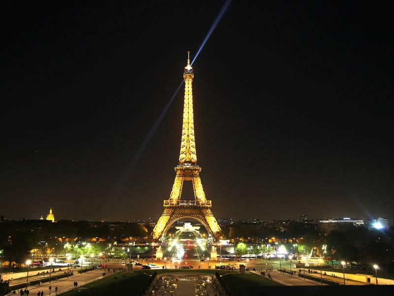 Frankreich Verhaengt Fuer Gesamten Dezember Ausgangssperren Ab 20 Uhr