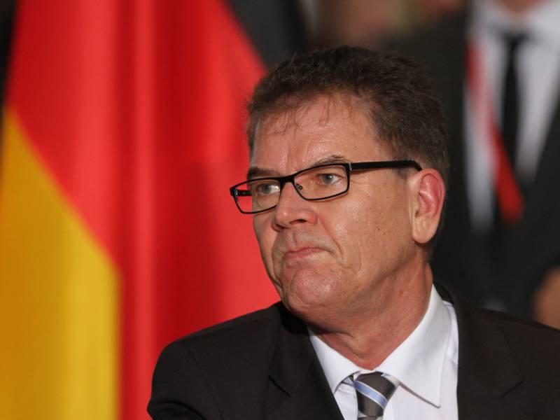 Gerd Mueller Kampf Gegen Aids Nicht Vernachlaessigen