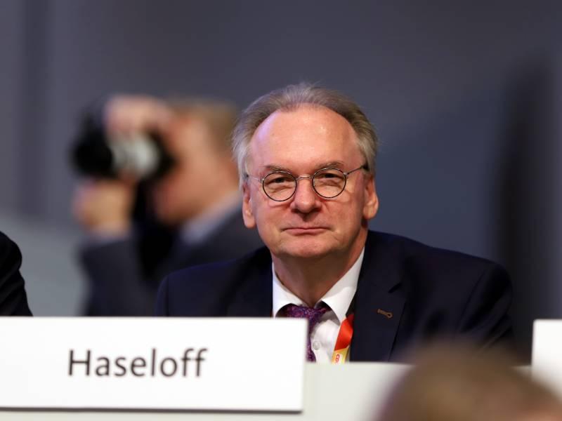 Gruene Bundes Cdu Soll Haseloff Verteidigen